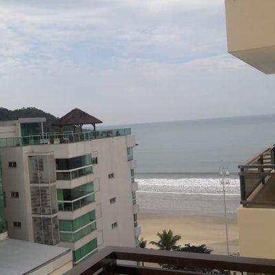 Apartamento Quadra Mar 3 dormitórios no centro de Balneário Camboriú