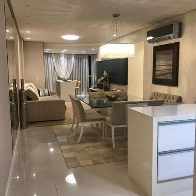 Apartamento mobiliado e decorado com 3 suítes em Balneário Camboriú