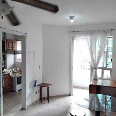 Locação Anual na Av. Central com 1 dormitório em Balneário Camboriú
