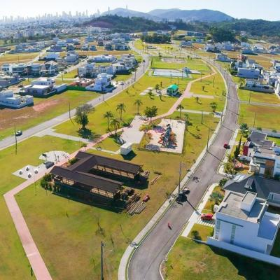Terreno em condomínio fechado Caledônia em Camboriú
