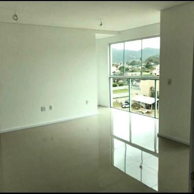 Apartamento com 2 dormitórios no centro de Camboriú