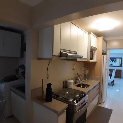 Apartamento em prédio frente mar com vista mar lateral a venda em Balneário Camboriú
