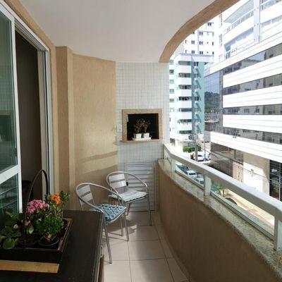 Apartamento semi mobiliado com 3 quartos a venda em Balneário Camboriú