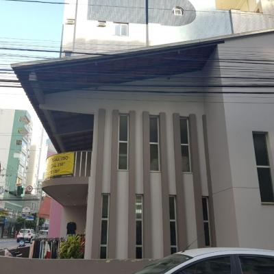 Casa a venda na Avenida Brasil no centro de Balneário Camboriú