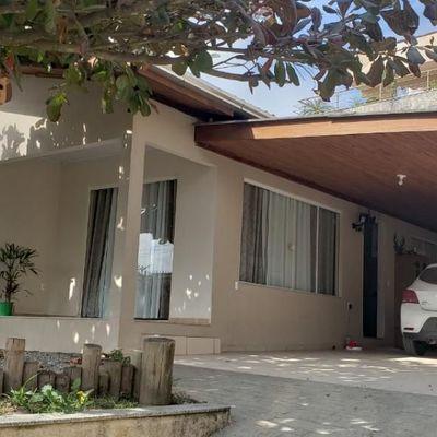Casa mobiliada com 3 quartos a venda em Camboriú
