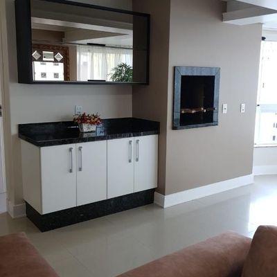 Lindo apartamento para locação anual com 3 amplas suítes em Balneário Camboriú