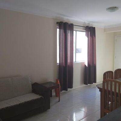 Ótimo imovel para aluguel anual centro de Balneário Camboriú