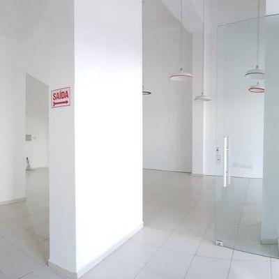 Locação de sala comercial Localização extremamente central em Balneário Camboriú