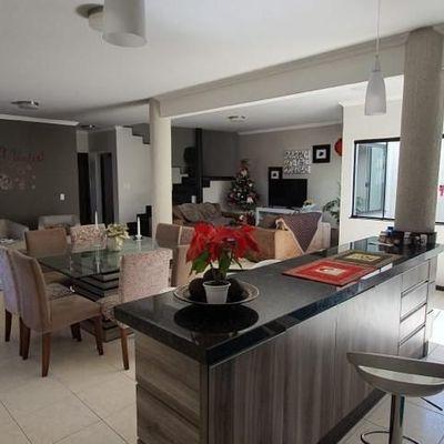 Casa 1 suite mais 3 dormitórios Centro de Itajaí