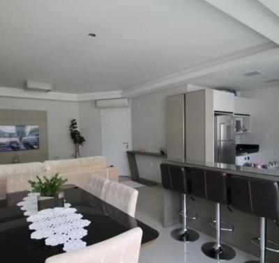 Apartamento com 2 Dormitórios a venda Localizado no Centro de Balneário Camboriú .
