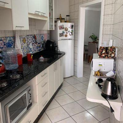 Lindo apartamento com 2 dormitórios sendo 1 Suíte a venda no centro de Balneário Camboriú