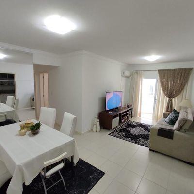 Apartamento 2 dormitórios Edifício Brasil Central em Balneário Camboriú