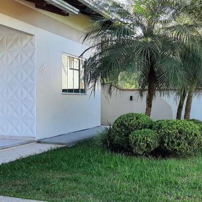 Excelente casa a venda em ótima localização em Ilhota