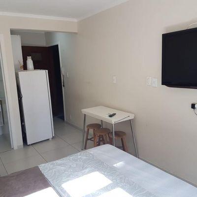 Kitnet para locação de estudante localizada  no centro de Balneário Camboriú
