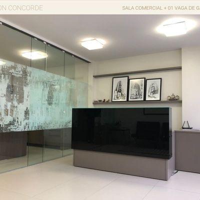 Sala Comercial Mobiliada a venda Edifício Maison Concorde no centro de Balneário Camboriú