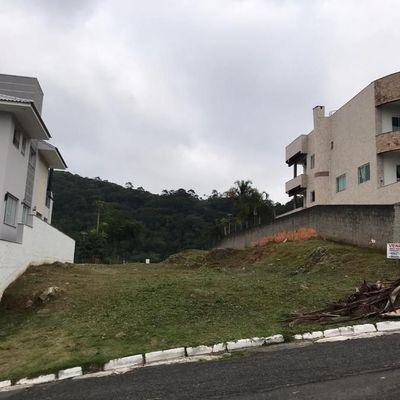 Terrenoa venda localizado no Bairro Ariribá em Balneário Camboriú
