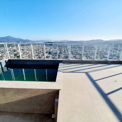 Cobertura Duplex a venda no Biarritz Residence no centro de Balneário Camboriú