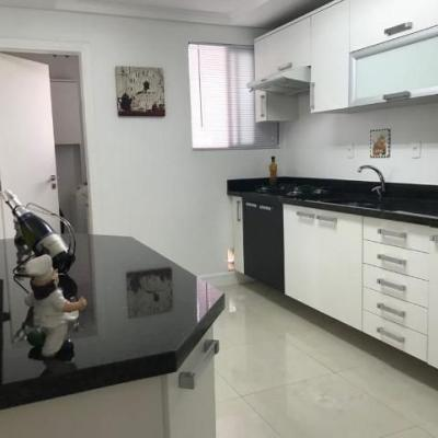 Apartamento no Edifício Solar do Tamarindo a venda em Balneário Camboriú
