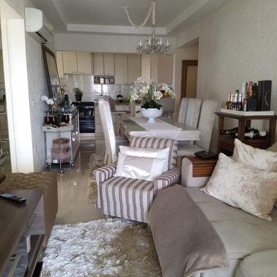 Excelente apartamento com 3 dormitórios mobiliado e decorado em Camboriú