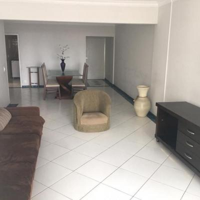 Apartamento a venda apenas 50 metros do mar no centro de Balneário Camboriú