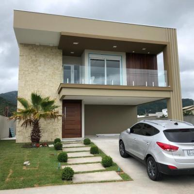 Casa 4 Dormitórios Mobiliada Alto Padrão Condomínio Caledônia em Camboriú