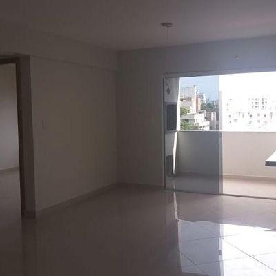 Apartamento todo reformado em condomínio fechado com 2 dormitórios em Balneário Camboriú