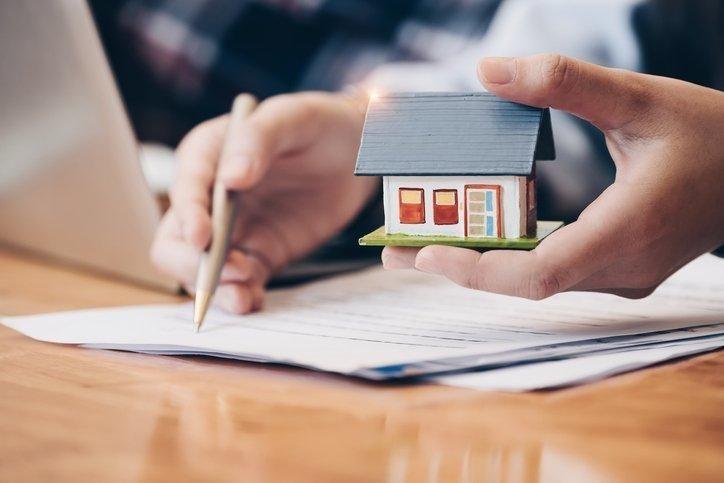 O que é e como funciona a caução no aluguel de imóveis?