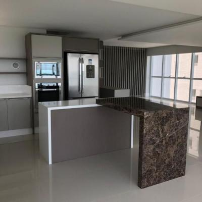 Apartamento para Aluguel Anual no Edifício Ibiza Towers em Balneário Camboriú
