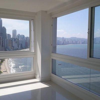 Apartamento frente mar com condições facilitadas de pagamento a venda em Balneário Camboriú