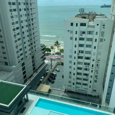 Apartamento quadra mar em andar baixo a venda em Balneário Camboriú