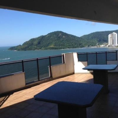 Apartamento a venda frente mar com 3 suítes na Avenida Atlântica em Balneário Camboriú