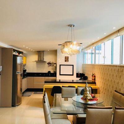 Oportunidade apartamento a venda na quadra do mar finamente mobiliado em Balneário Camboriú