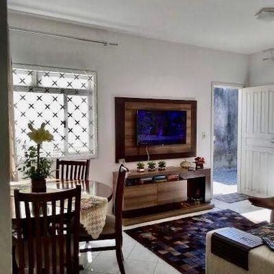 Casa a venda em área nobre de Camboriú