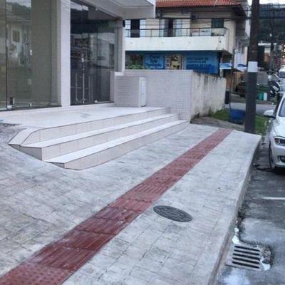 Sala Comercial a venda localizada no Bairro Nações em Balneário Camboriú