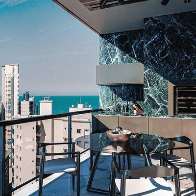 Apartamento 4 suítes Edifício Torre de Booz Pioneiros em Balneário Camboriú