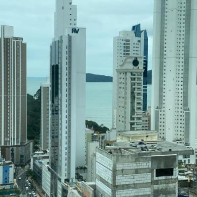 Apartamento Edifício Império das Ondas Vista mar em Balneário Camboriú