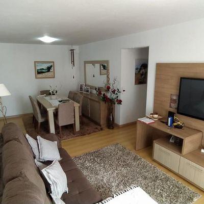 Excelente apartamento para locação diária no centro de Balneário Camboriú