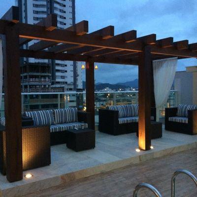 Apartamento Semi Mobiliado em Balneário Camboriú