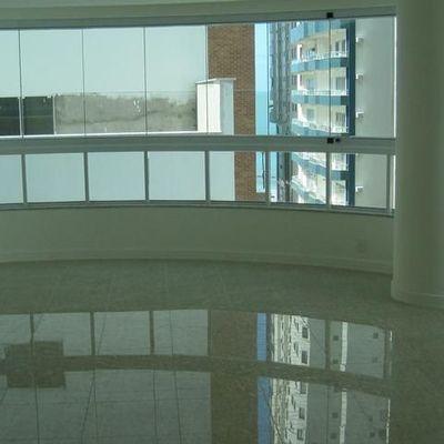 Apartamento anual Quadra mar em Balneário Camboriú