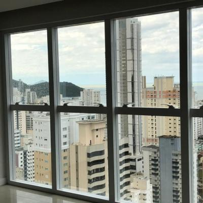 Apartamento vista para o mar em Balneário Camboriú