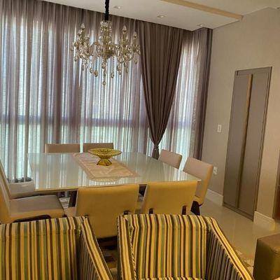 Apartamento finamente mobiliado em Balneário Camboriú