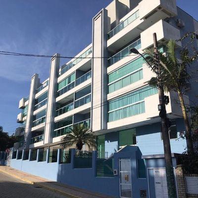 Apartamento com 2 quartos a 280 metros da praia de Bombas