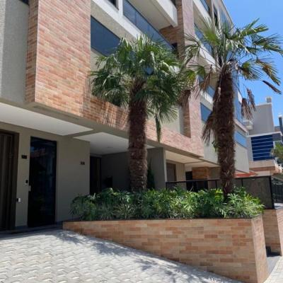 Apartamento 3 suítes Bombinhas