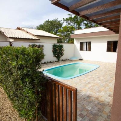 Casa com piscina em Bombas