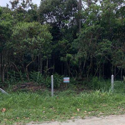 Terreno bem localizado em Mariscal